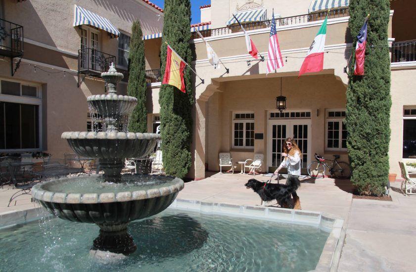 marfa hotel fountain