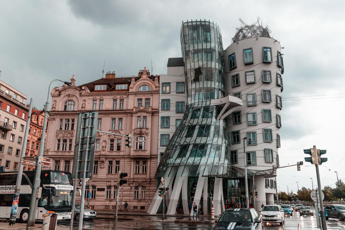 prague crooked building