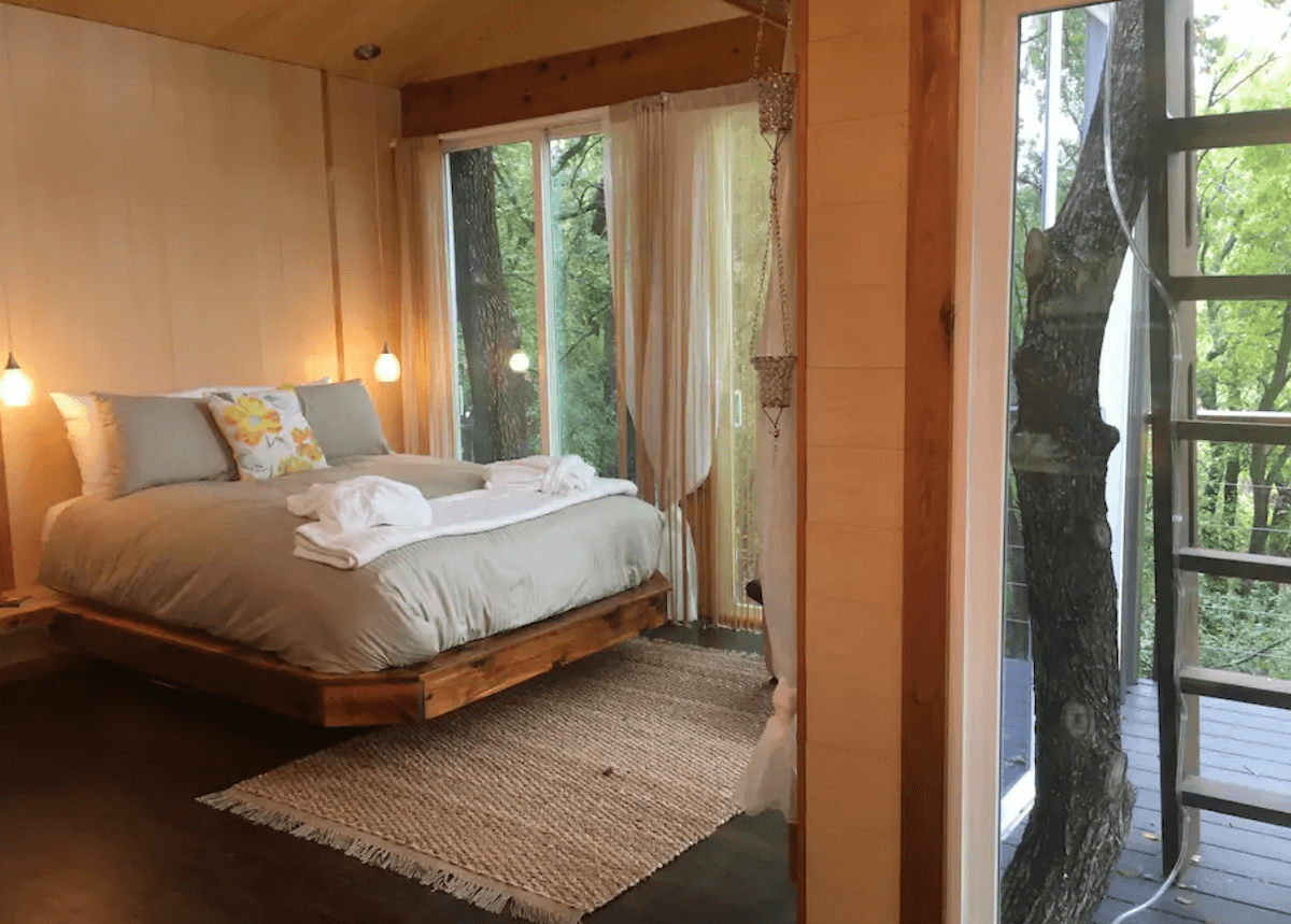 Airbnbs for Couples