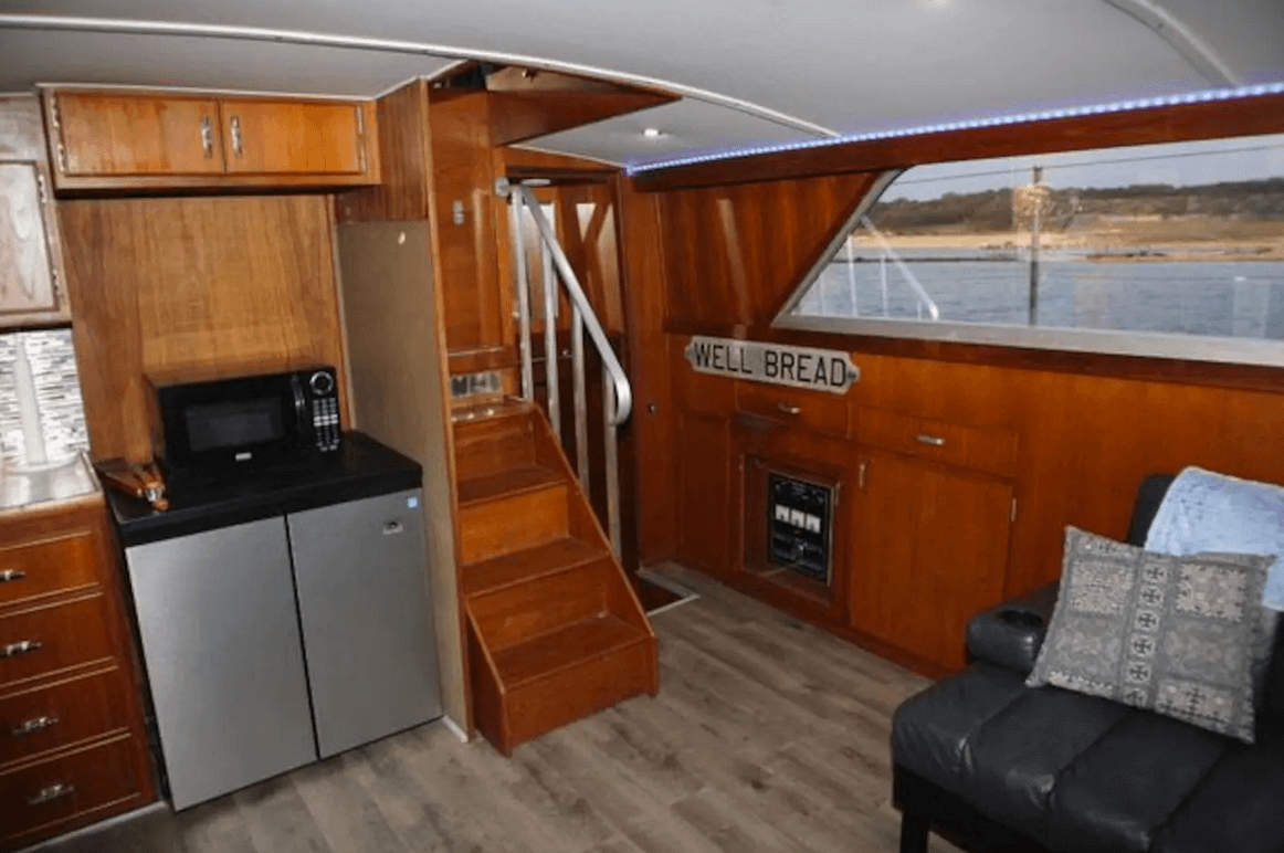 dog friendly boat rental austin 1