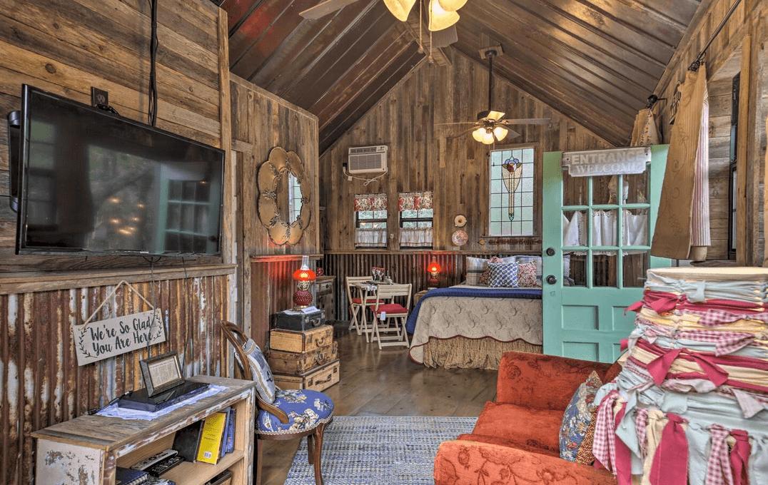 wimberly dog friendly cabin